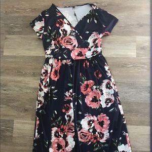 Dresses & Skirts - Long floral nursing or maternity dress